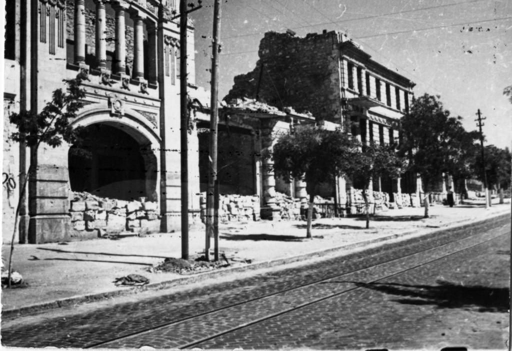 Руины центра. Севастополь, 1946 г. ГАГС, фонд фотодокументов, ед. хр. № 3426.