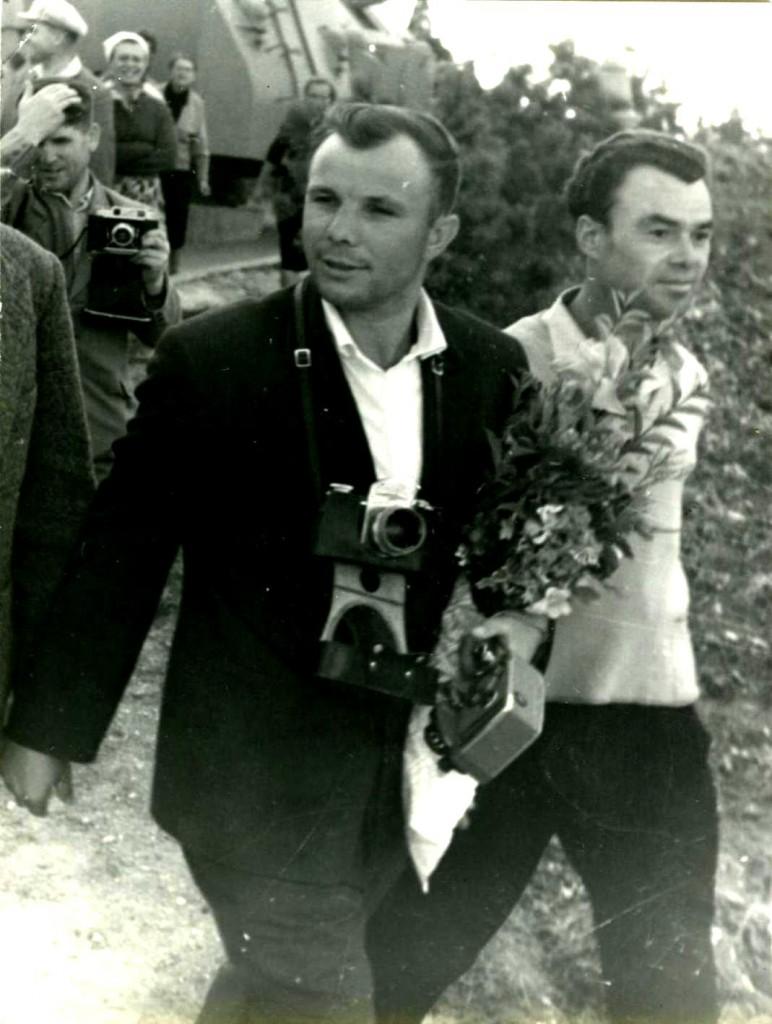 Пребывание в городе Севастополе Героя Советского Союза Гагарина Ю.А., который посетил исторические места города. 21 сентября 1961 года ГАГС, фонд фотодокументов, ед.хр. 859