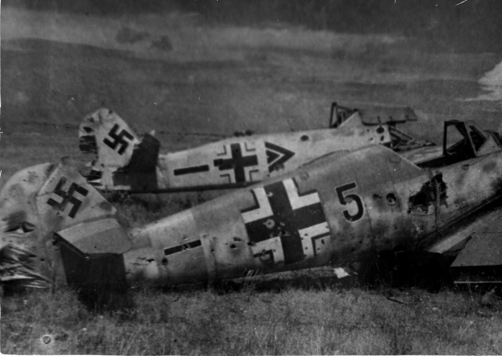 Сбитые немецкие самолеты.