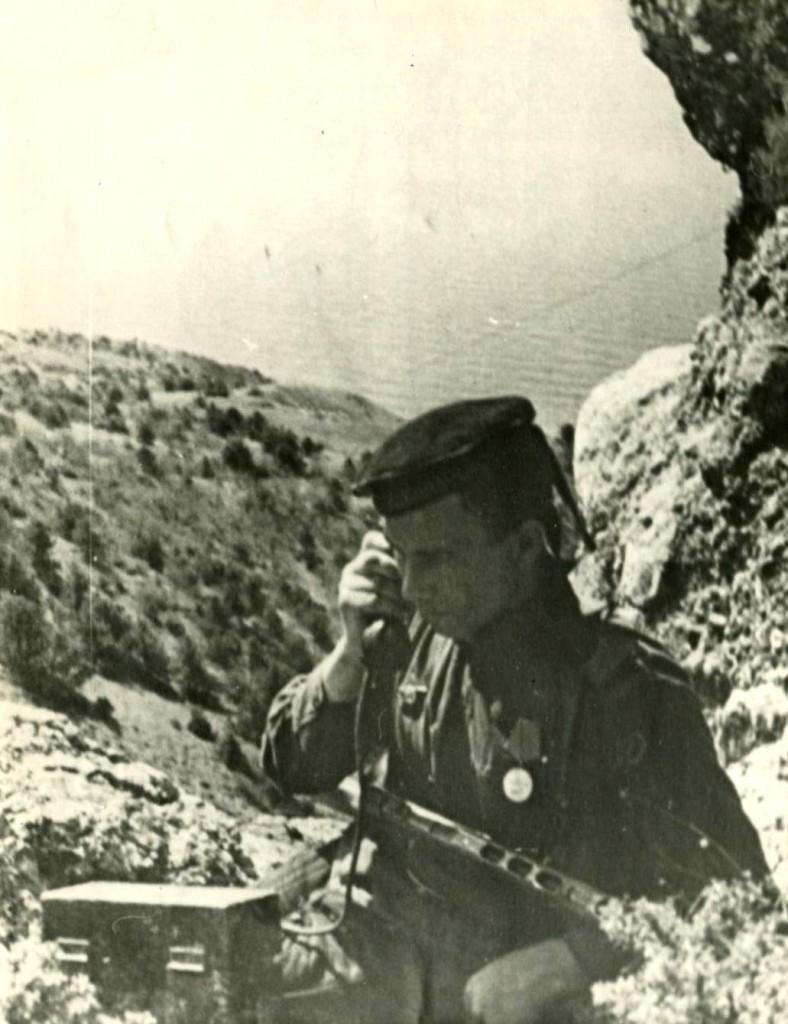 Связист В. Санин