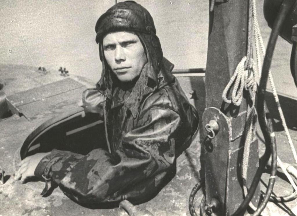 Радист торпедного катера В.Г. Иванов.
