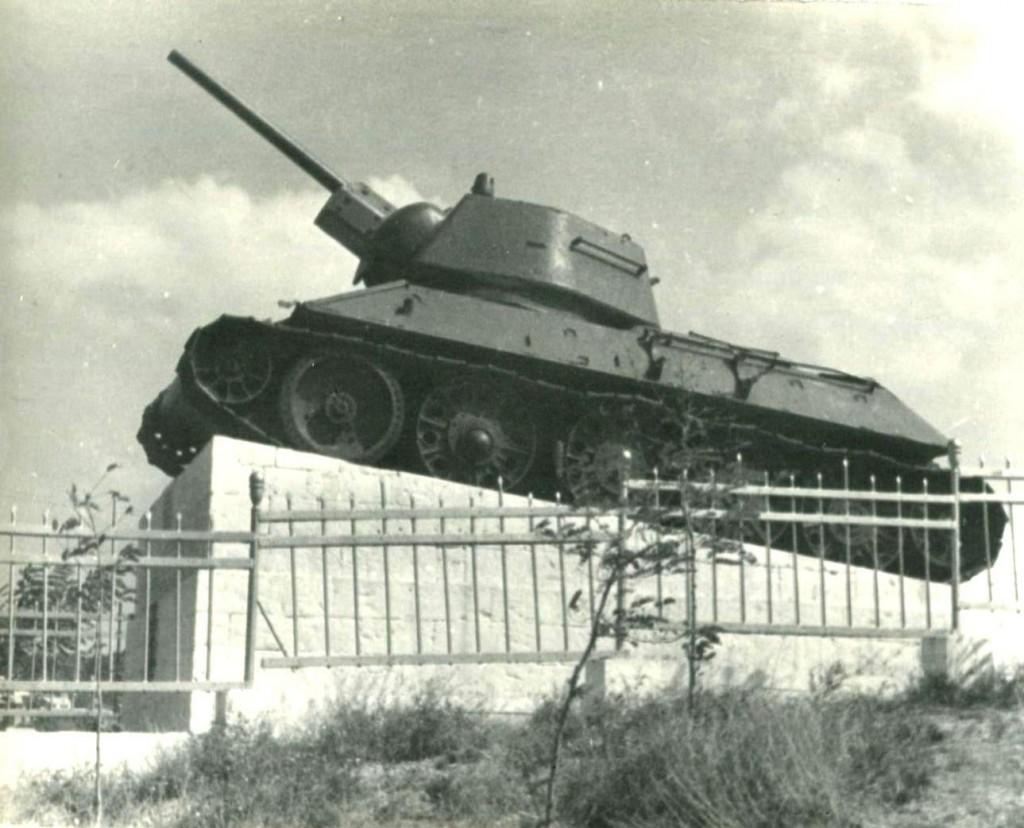 Памятник героям-танкистам 85-го отдельного танкового Севастопольского полка